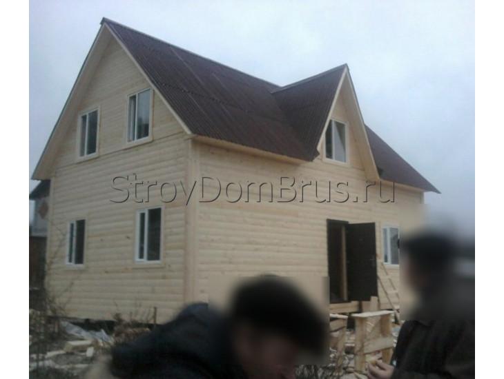 Деревянный дачный дом из бруса 6x8 с крыльцом